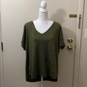 Old Navy Everywear Green V Neck Teeshirt